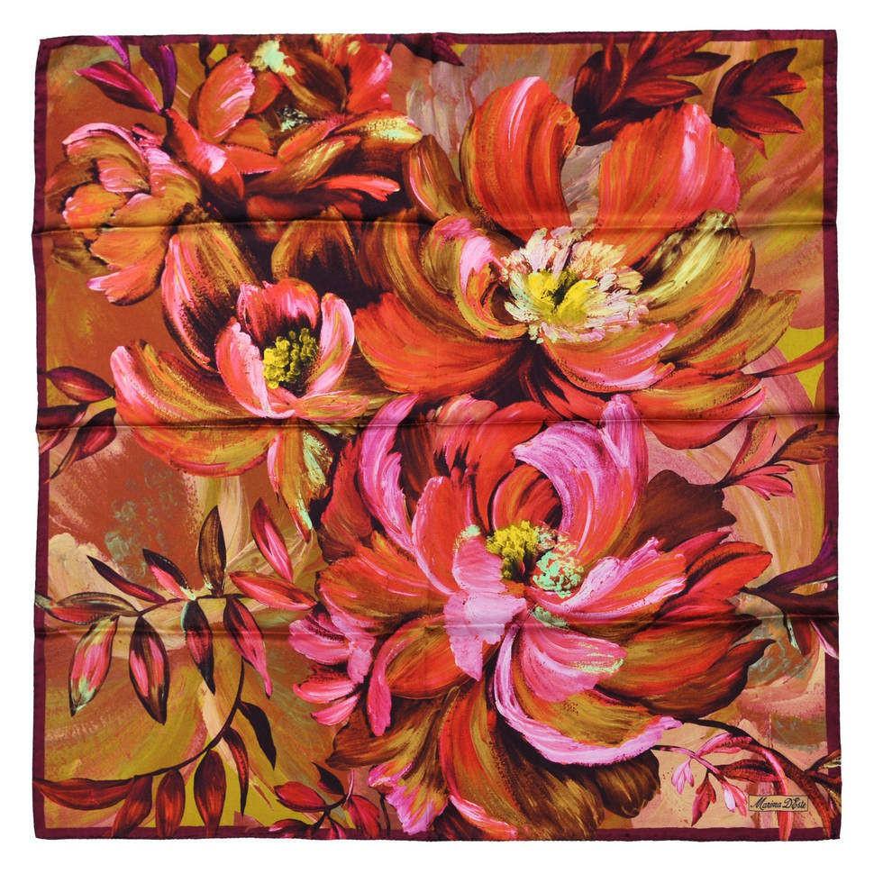 Платок с крупными яркими цветами Marina Deste 833981