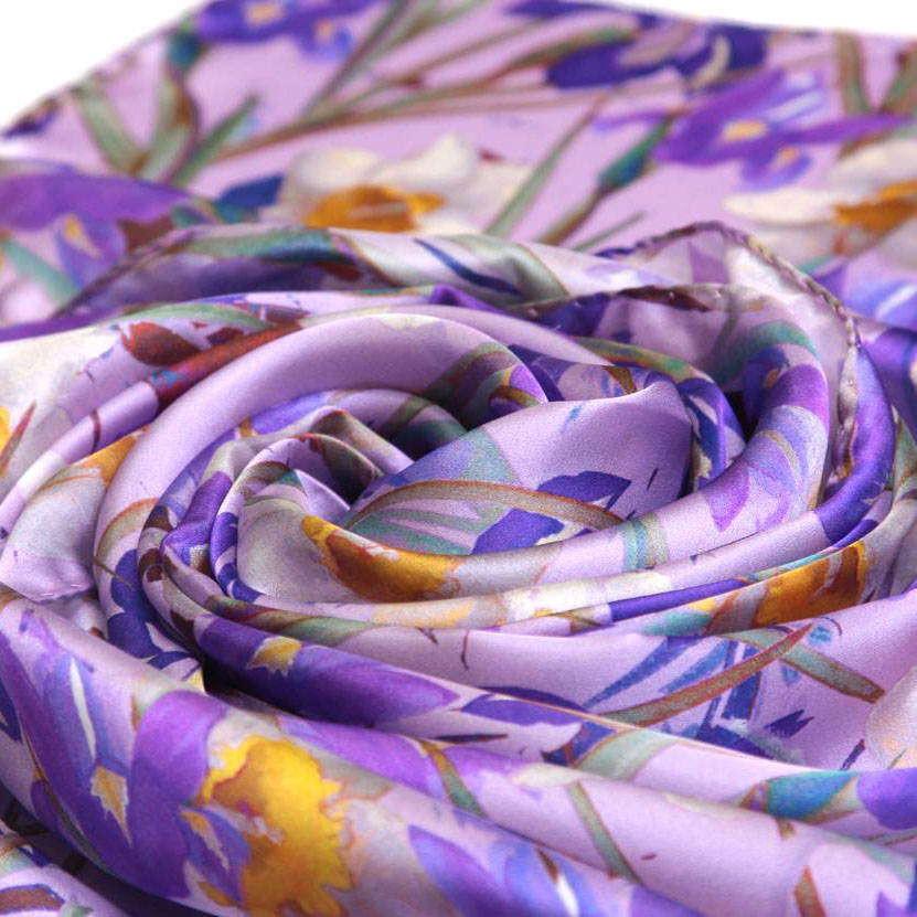Атласный сиреневый шарф с ирисами ClubSeta 30451